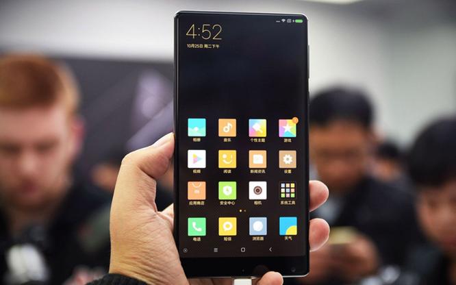 Chạm vuốt Xiaomi Mi MIX - smartphone không viền cực sexy ảnh 2