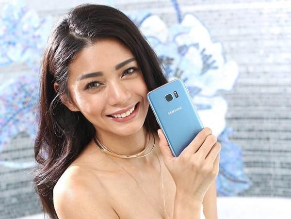 Galaxy S7 Edge Blue Coral giá 18,49 triệu đồng ảnh 1