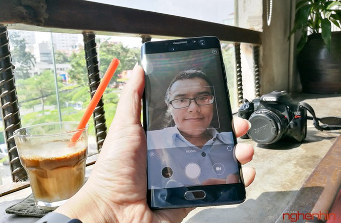 Trên tay Xiaomi Mi Note 2 bản Jet Black vừa 'cập bến' ảnh 17