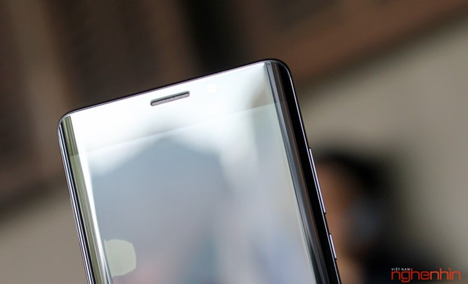 Trên tay Xiaomi Mi Note 2 bản Jet Black vừa 'cập bến' ảnh 8