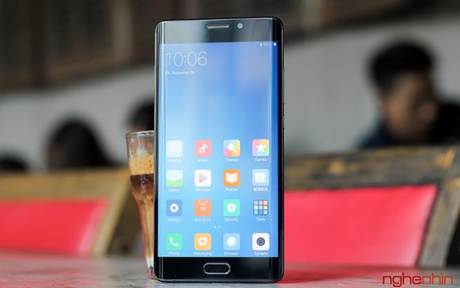 Trên tay Xiaomi Mi Note 2 bản Jet Black vừa 'cập bến' ảnh 15