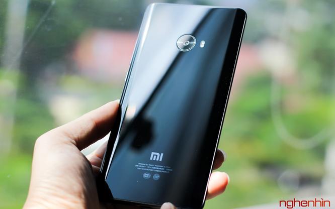 Trên tay Xiaomi Mi Note 2 bản Jet Black vừa 'cập bến' ảnh 18