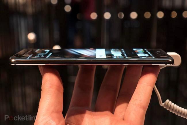 Cận cảnh hàng 'độc' của Huawei: Porsche Design Mate 9 ảnh 4