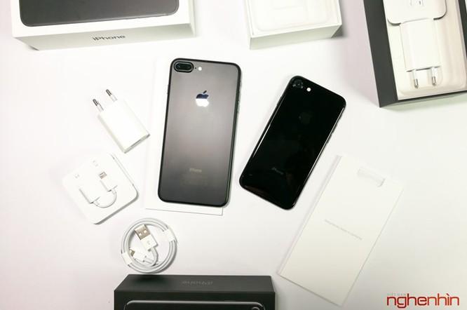 Mở hộp iPhone 7 series chính hãng tại Việt Nam ảnh 9