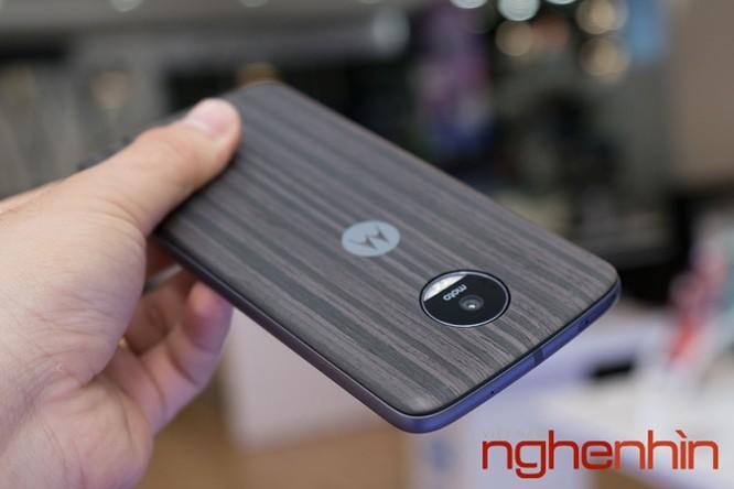 Xem kỹ smartphone Moto Z vừa lên kệ Việt giá 16 triệu ảnh 16