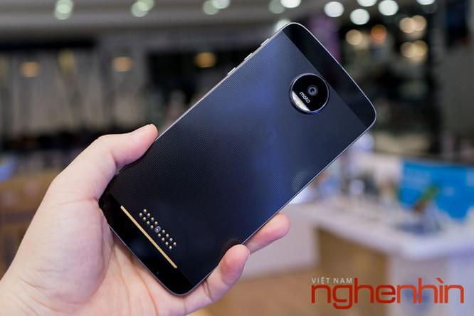 Xem kỹ smartphone Moto Z vừa lên kệ Việt giá 16 triệu ảnh 3