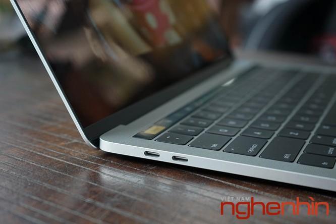 Cận cảnh Macbook Pro 2016 có Touch Bar vừa về Việt Nam giá 43 triệu ảnh 3