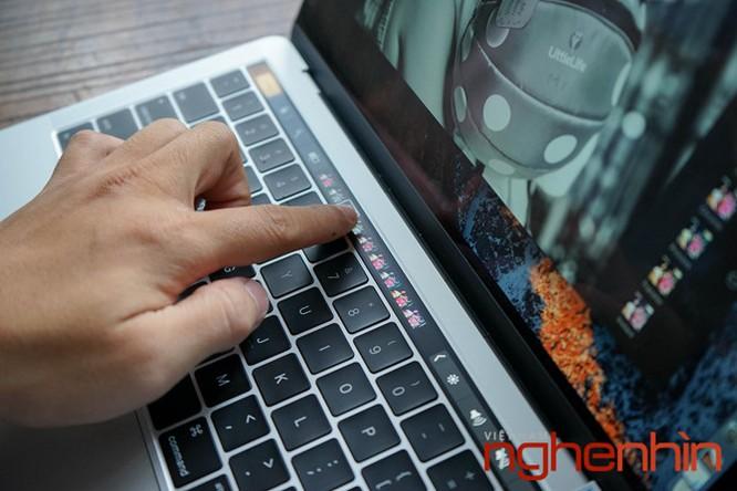 Cận cảnh Macbook Pro 2016 có Touch Bar vừa về Việt Nam giá 43 triệu ảnh 6