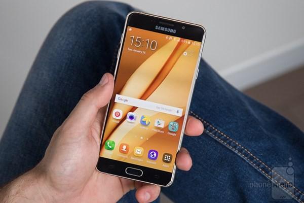 Samsung Galaxy A7 2017 hỗ trợ chống nước ảnh 1
