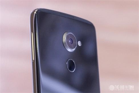 Cận cảnh smartphone BlackBerry DTEK60