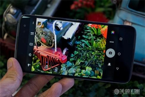 Cận cảnh BlackBerry DTEK60.