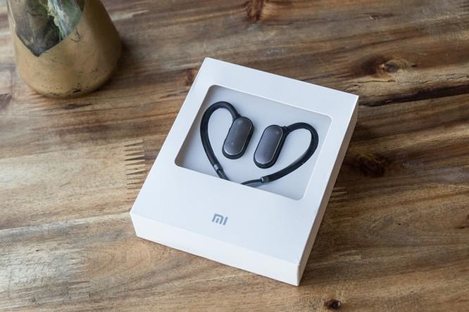 Mở hộp tai nghe Mi Sport Bluetooth vừa 'cập bến' ảnh 2