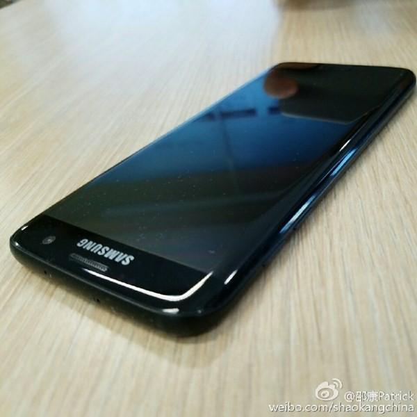Samsung Galaxy S7 Edge bản đen bóng bất ngờ lộ diện ảnh 7