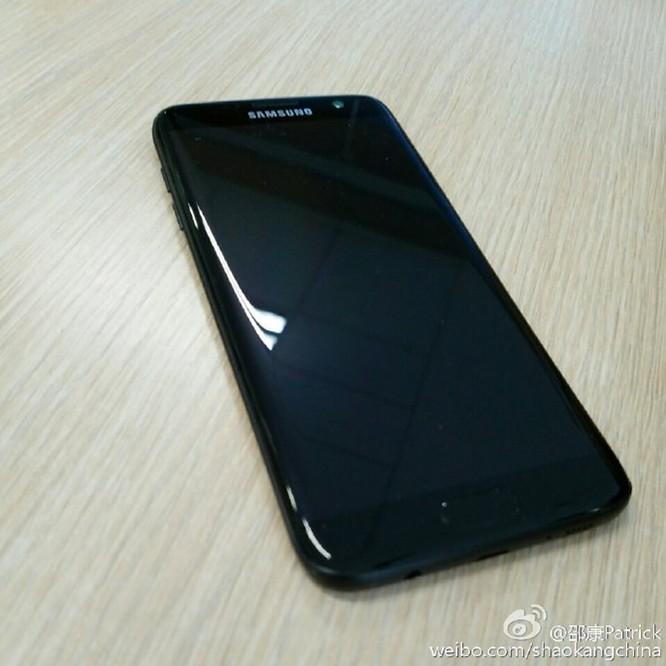 Lộ ảnh thực tế Galaxy S7 edge đen bóng ảnh 5
