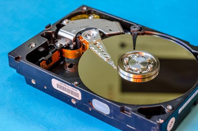 Đĩa cứng: SSD 'song đấu' HDD ảnh 2