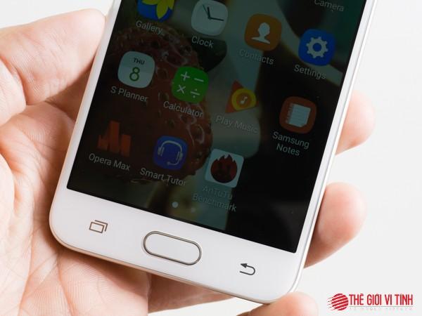 Cận cảnh smartphone Samsung Galaxy J5 Prime ảnh 2