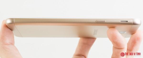 Cận cảnh smartphone Samsung Galaxy J5 Prime ảnh 5