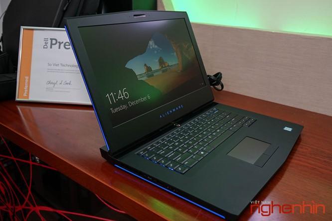 Cận cảnh Gaming Laptop Alienware 15 R3 2017 ảnh 2
