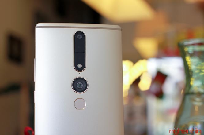 Trên tay Lenovo Phab2 Pro - smartphone sở hữu 4 camera ảnh 2