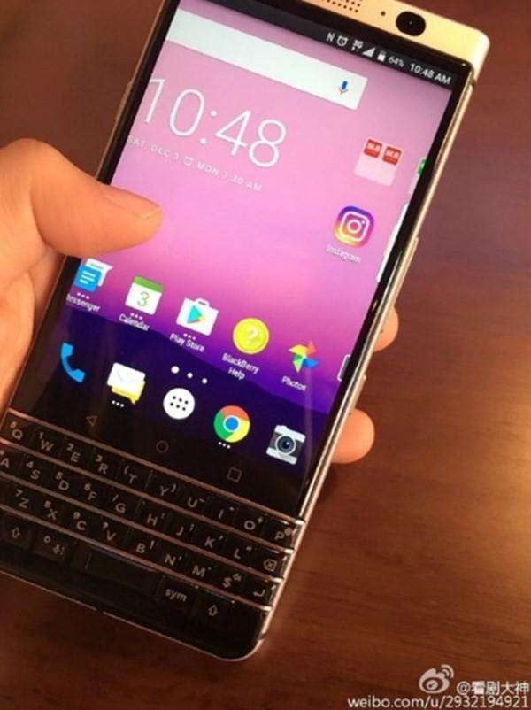 TCL khoe smartphone BlackBerry Mercury sắp ra mắt ảnh 2