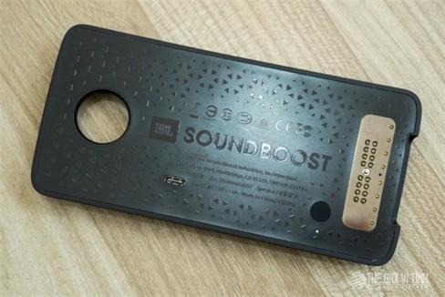 Cận cảnh JBL Soundboost.