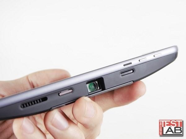 Insta-share Projector và JBL Soundboost: Phụ kiện đáng giá cho Moto Z ảnh 2