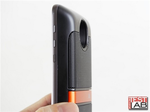 Insta-share Projector và JBL Soundboost: Phụ kiện đáng giá cho Moto Z ảnh 5