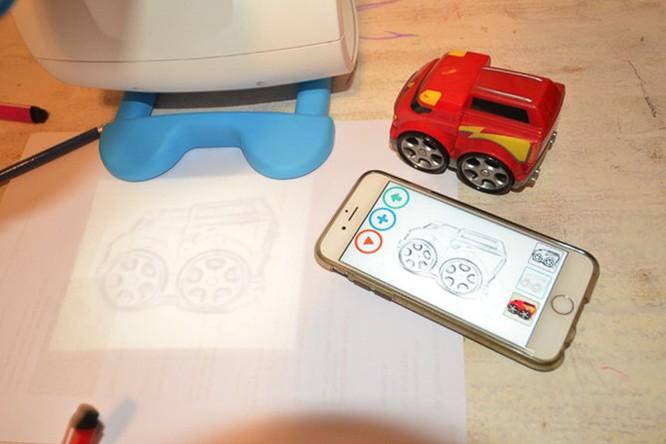 FollowGrams - máy chiếu dạy vẽ cho trẻ giá 65USD ảnh 3