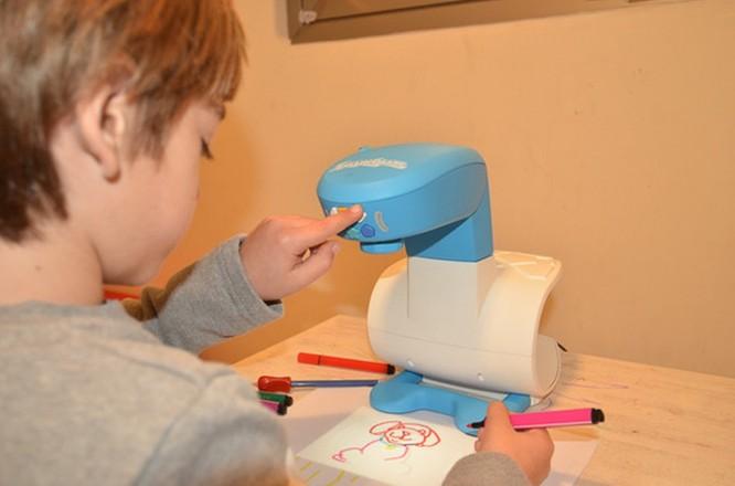 FollowGrams - máy chiếu dạy vẽ cho trẻ giá 65USD ảnh 5