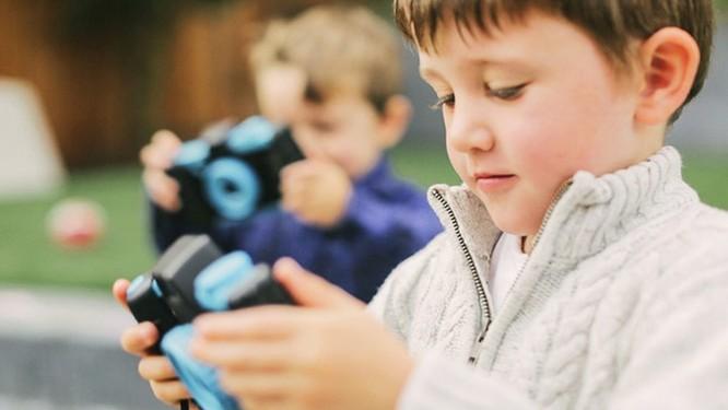 Dạy trẻ chụp ảnh với phụ kiện Pixlplay giá 25USD ảnh 5