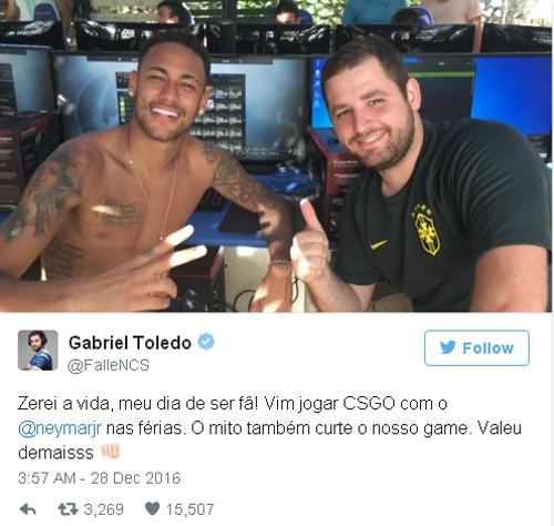 Sao bóng đá Neymar 'cuồng' game bắn súng ảnh 1