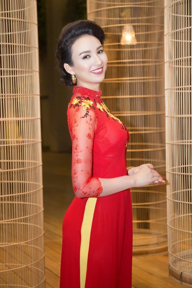 """10 Hoa hậu """"tri thức"""" của nhan sắc Việt ảnh 9"""