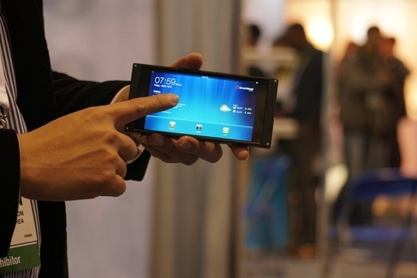 Thị trường tablet, smartphone hứa hẹn sôi động trong năm 2015 ảnh 2