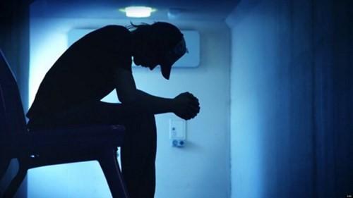 Facebook tích hợp chức năng phòng chống tự tử ảnh 1