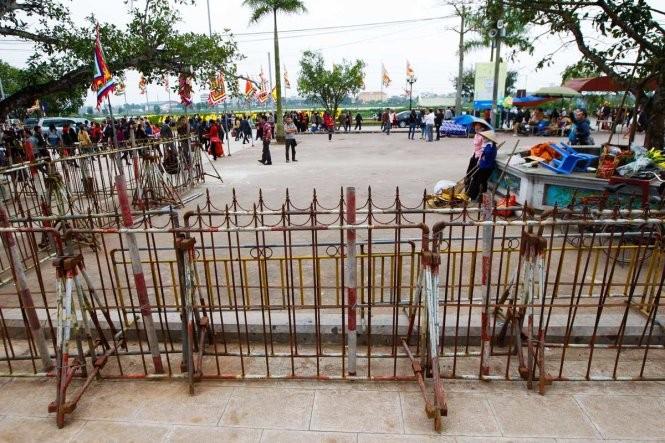 Thắt chặt an ninh trước lễ khai ấn đền Trần ảnh 2