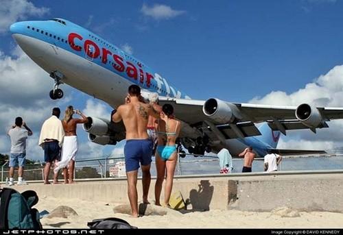 """Những sân bay khiến du khách """"đau tim"""" nhất thế giới ảnh 4"""