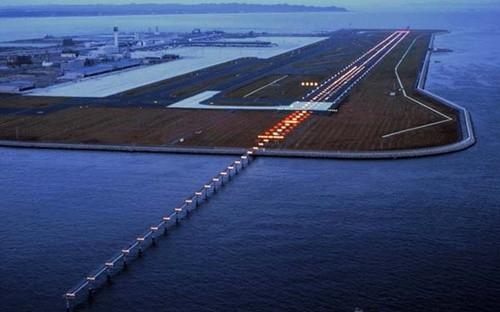 """Những sân bay khiến du khách """"đau tim"""" nhất thế giới ảnh 6"""