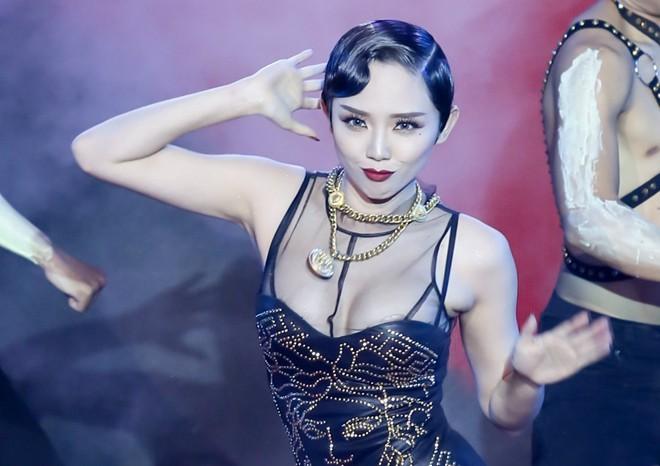"""Gameshow Việt và những bí ẩn kiểu """"người tình của nhà tài trợ"""" ảnh 1"""