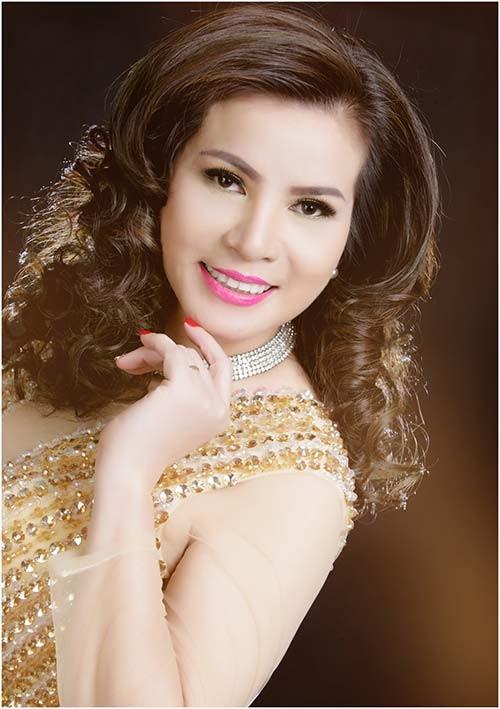 Sự thật bất ngờ chuyện người đẹp Việt đầu tiên đi thi quốc tế ảnh 1