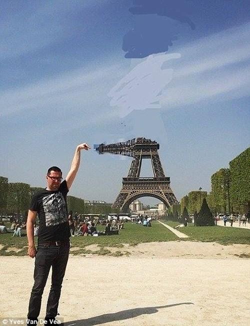 """""""Chết cười"""" với ảnh chế cùng tháp Eiffel của cư dân mạng ảnh 10"""