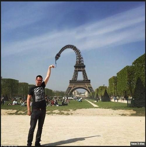 """""""Chết cười"""" với ảnh chế cùng tháp Eiffel của cư dân mạng ảnh 3"""