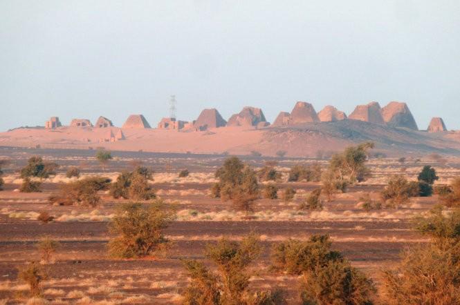 """Độc đáo quần thể kim tự tháp """"bị lãng quên"""" ở Sudan ảnh 8"""