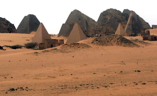 """Độc đáo quần thể kim tự tháp """"bị lãng quên"""" ở Sudan ảnh 1"""