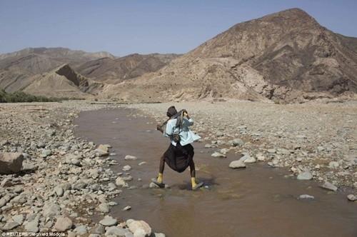 Người dân ở nơi nóng nhất thế giới sống ra sao? ảnh 4