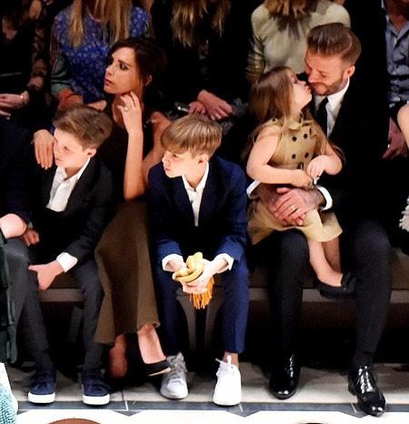 David Beckham tự hào khi con gái cưng và con trai mê bóng đá ảnh 2