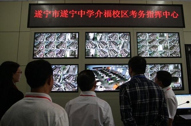 Công nghệ siêu quay bài trong kỳ thi đại học Trung Quốc ảnh 5