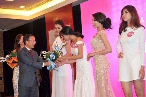 Lộ diện 35 người đẹp vào bán kết Hoa hậu Hoàn vũ Việt Nam 2015 ảnh 2
