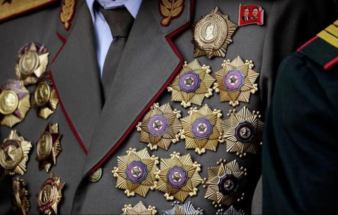 9 kiểu trang phục duyệt binh độc đáo nhất thế giới ảnh 7