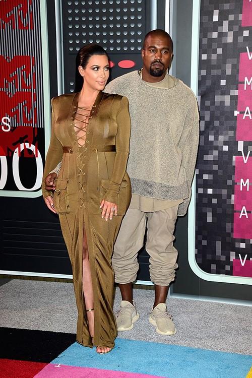 Choáng với trang phục dị hợm của dàn sao Mỹ tại giải MTV Video Music 2015 ảnh 10