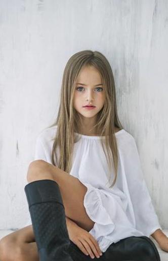 """Siêu người mẫu nhí Nga làm """"điêu đứng"""" giới truyền thông Nhật Bản ảnh 3"""